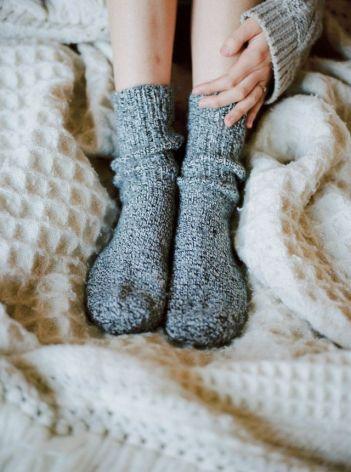 df72509ccc0b95e952e602caaee0c860--comfy-socks-warm-socks